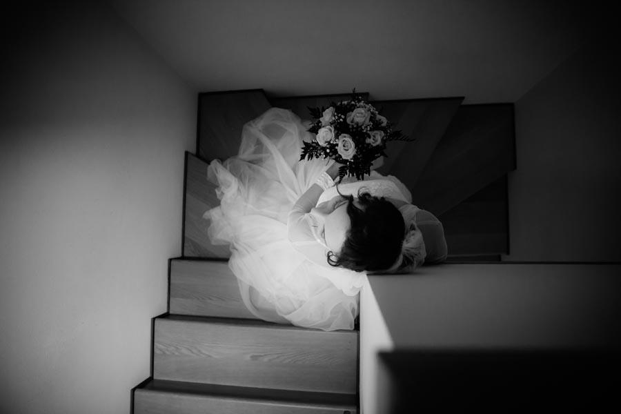Silvia e Massimo sposi-Wedding reportage-Renato Zanette Fotografo Matrimonio Treviso-Revine Lago-Tarzo-geometrie