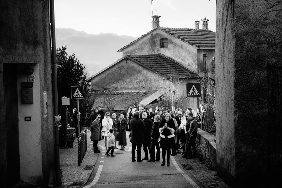 Silvia e Massimo sposi-Wedding reportage-Renato Zanette Fotografo Matrimonio Treviso-Revine Lago-Tarzo-tutti in attesa