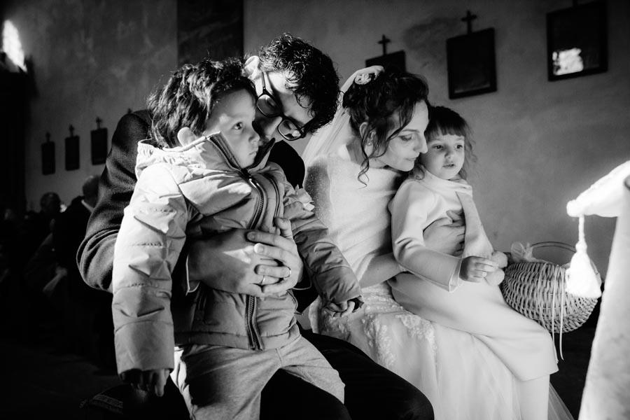 Silvia e Massimo sposi-Wedding reportage-Renato Zanette Fotografo Matrimonio Treviso-Revine Lago-Tarzo-la famiglia