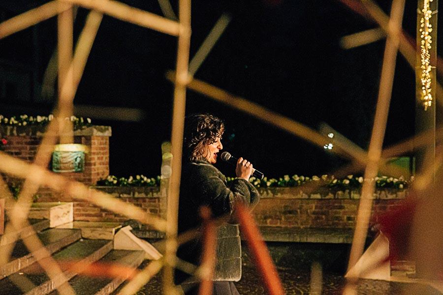 Renato Zanette fotografo per eventi storytelling Cipria Show no alla violenza sulle donne Enrica