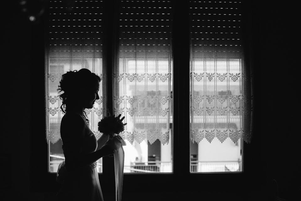 Irene e Paolo sposi-Wedding reportage-Renato Zanette Fotografo Matrimonio Treviso Veneto-Vittorio Veneto-Controluce