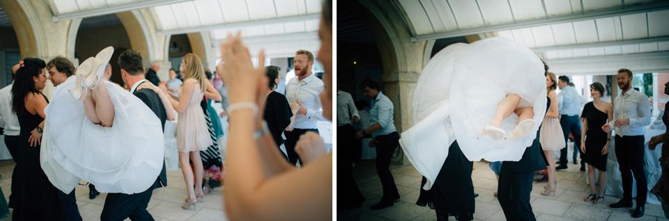 Irene e Paolo sposi-Wedding reportage-Renato Zanette Fotografo Matrimonio Treviso Veneto-Villa Morosini Valforte-Colle Umberto-Balli pazzi