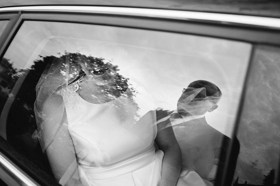 Elena e Matteo sposi-Wedding reportage-Renato Zanette Fotografo Matrimonio Treviso Veneto-Falzè di Piave-riflessi