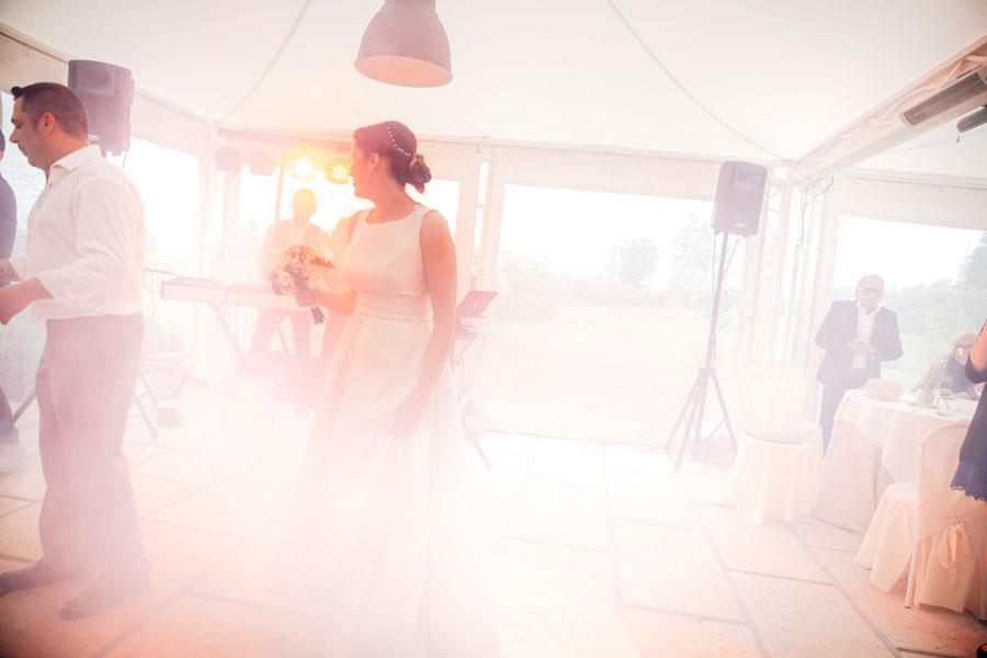 Elena e Matteo sposi-Wedding reportage-Renato Zanette Fotografo Matrimonio Treviso Veneto-la Cucina di Crema-Giavera del Montello-fluo