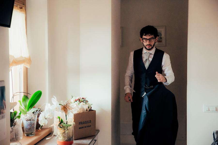 Silvia e Massimo sposi-Wedding reportage-Renato Zanette Fotografo Matrimonio Treviso-Revine Lago-Tarzo-quasi pronto