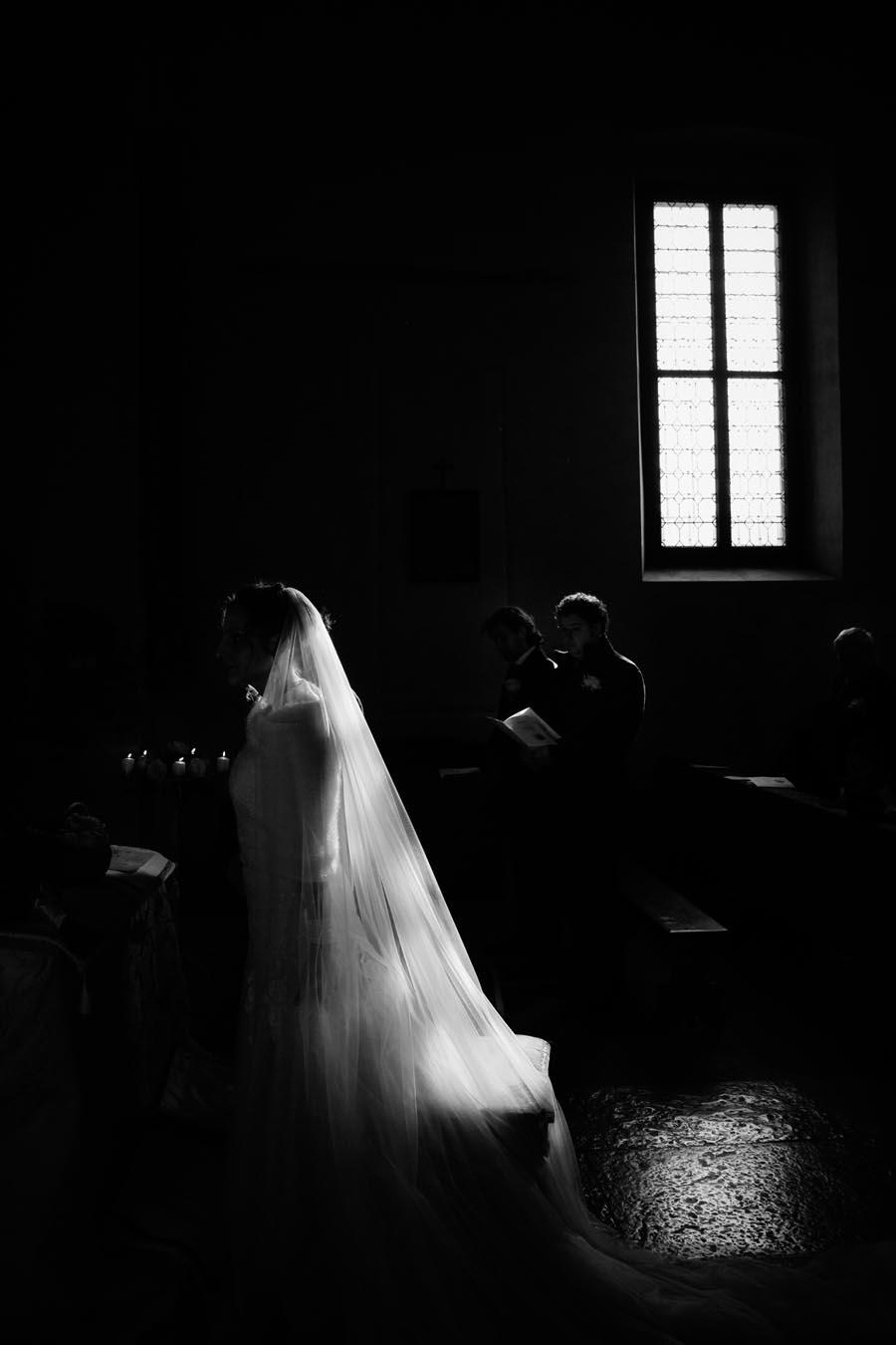 Silvia e Massimo sposi-Wedding reportage-Renato Zanette Fotografo Matrimonio Treviso-Revine Lago-Tarzo-magia della luce