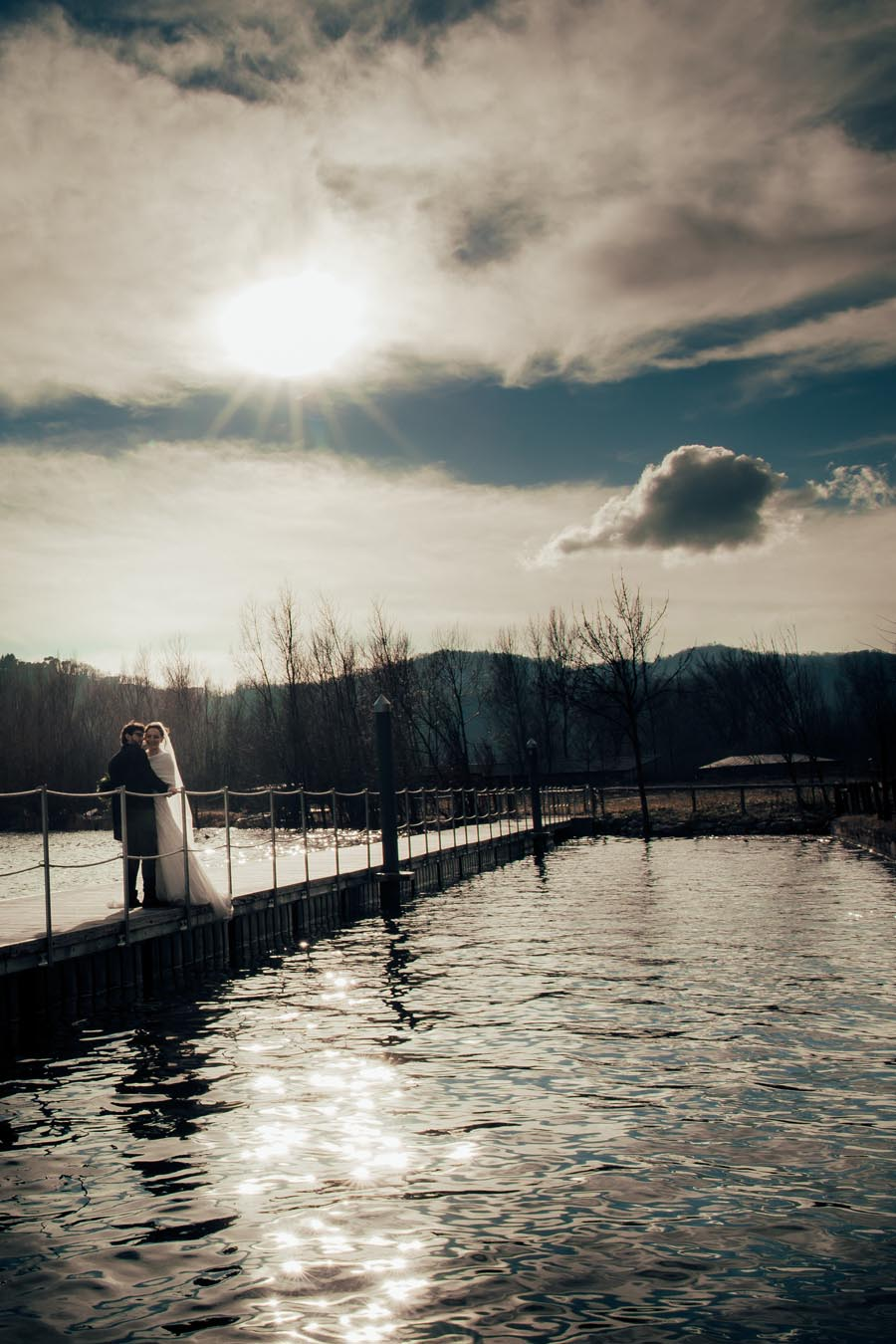 Silvia e Massimo sposi-Wedding reportage-Renato Zanette Fotografo Matrimonio Treviso-Revine Lago-Tarzo-riflessi