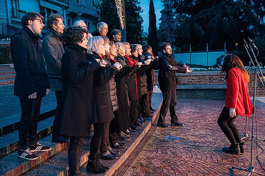 Renato Zanette fotografo per eventi storytelling Cipria Show no alla violenza sulle donne coro Polifonico Michelangeli