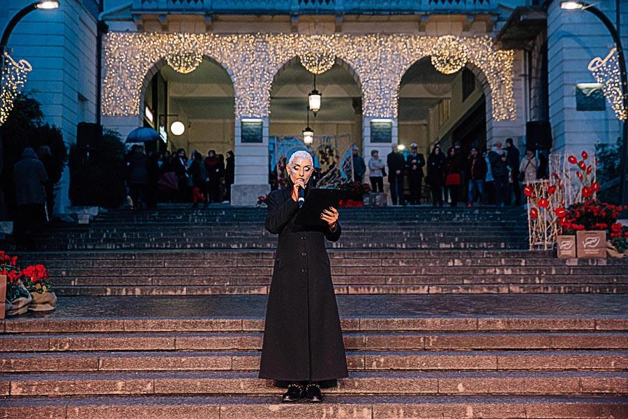 Renato Zanette fotografo per eventi storytelling Cipria Show no alla violenza sulle donne Madame Black