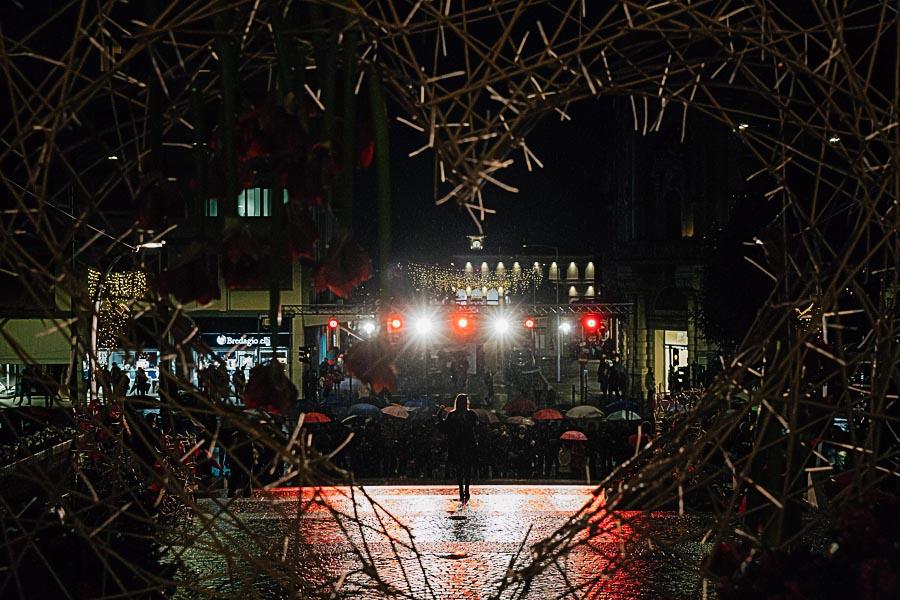 Renato Zanette fotografo per eventi storytelling Cipria Show no alla violenza sulle donne Elenoire